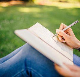 """""""La tua vita in un libro"""": il concorso letterario di Donna Moderna"""